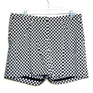 WORTHINGTON CHECKERED SHORTS SIZE 12 NEW A2